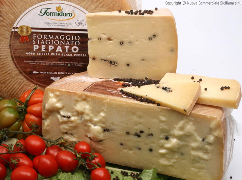 AGED CHEESE WITH BLACK PEPPER KG 1*