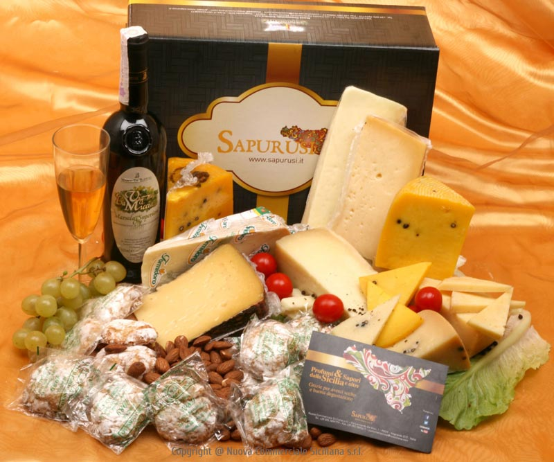 MARSALA WINE NOTES AND TYPICAL SICILIAN CHEESE-GIFT BOX